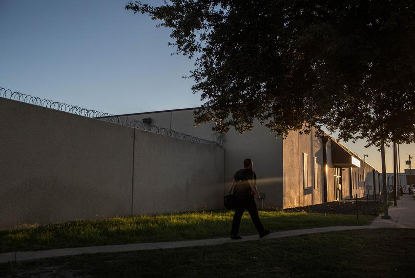 In an immigration detention center on the outskirts of Laredo, judges on temporary assignments were hearing cases in a court…