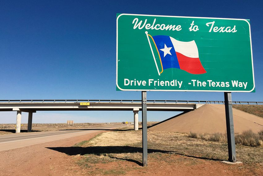 "A ""Welcome to Texas"" sign along eastbound Interstate 40 entering Deaf Smith County from Quay County, New Mexico."
