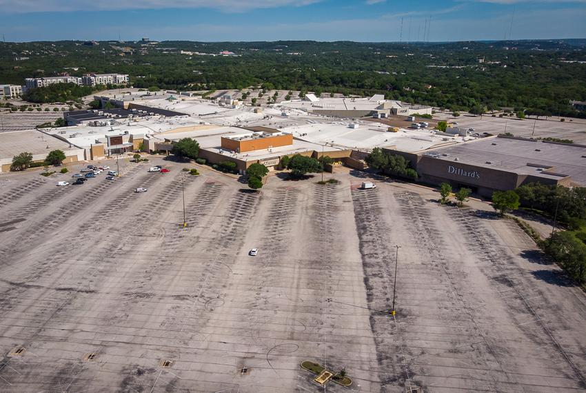 The parking lot of Barton Creek Square Mall in Austin on May 1, 2020, the same day some Texas businesses began reopening on …