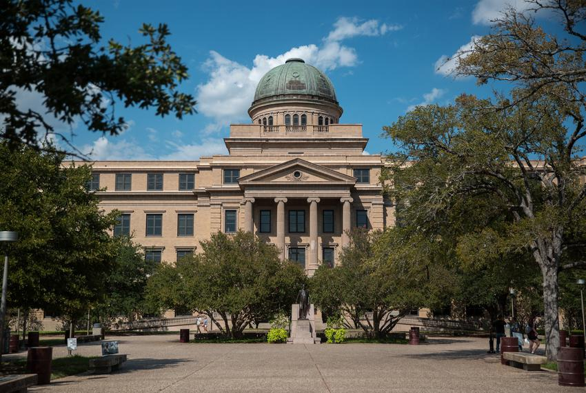 When Texas A M Reopens It May Use Saturday And Late Night Classes The Texas Tribune