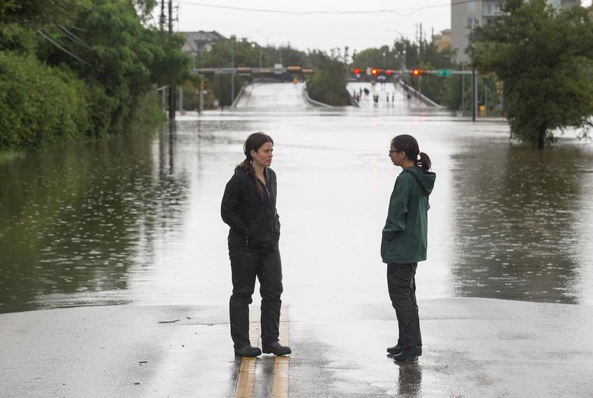 Kiah Collier and Neena Satija reporting on Hurricane Harvey on Aug. 27, 2017.