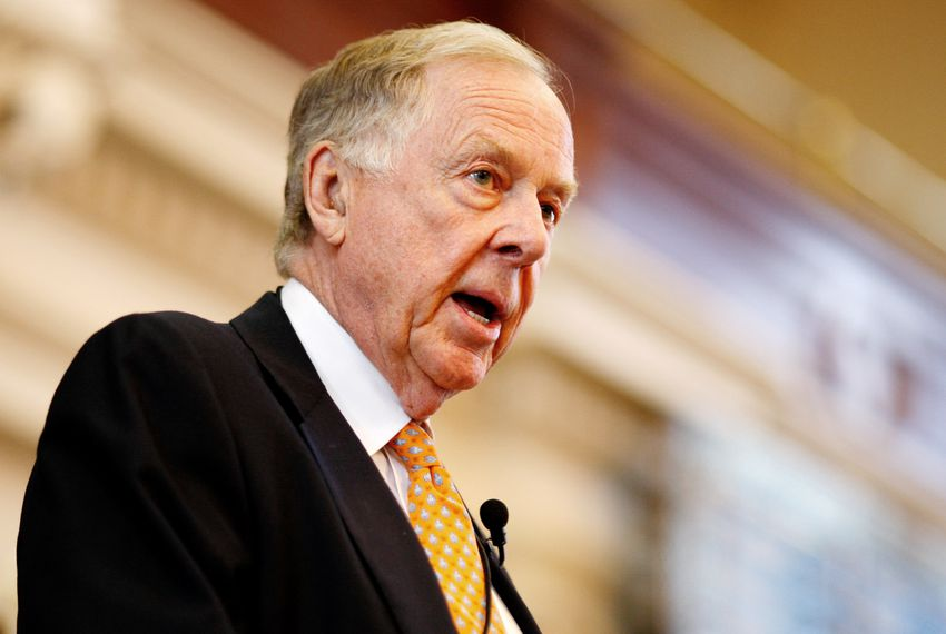 T. Boone Pickens speaks at the Texas Book Festival on Nov. 2, 2008