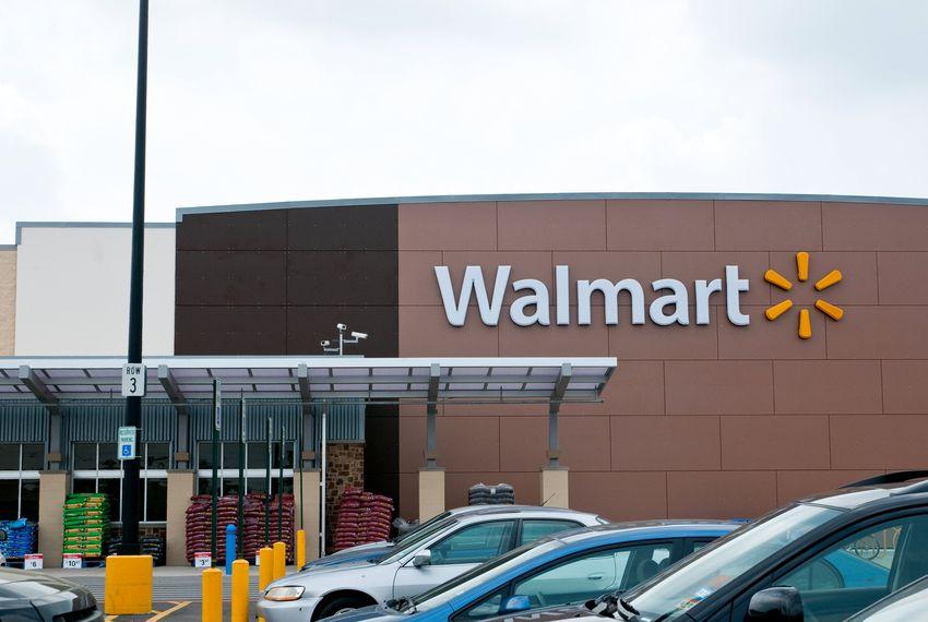 After El Paso shooting, Walmart to stop selling handguns