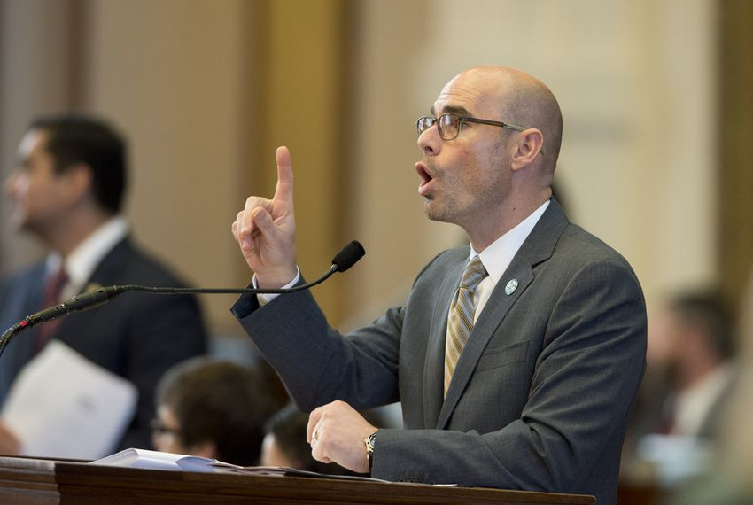 Ways and Means chair State Rep.Dennis Bonnen, R-Angleton, while debating State Rep. Sylvester Turner on HB11 border security bill March 18, 2015.