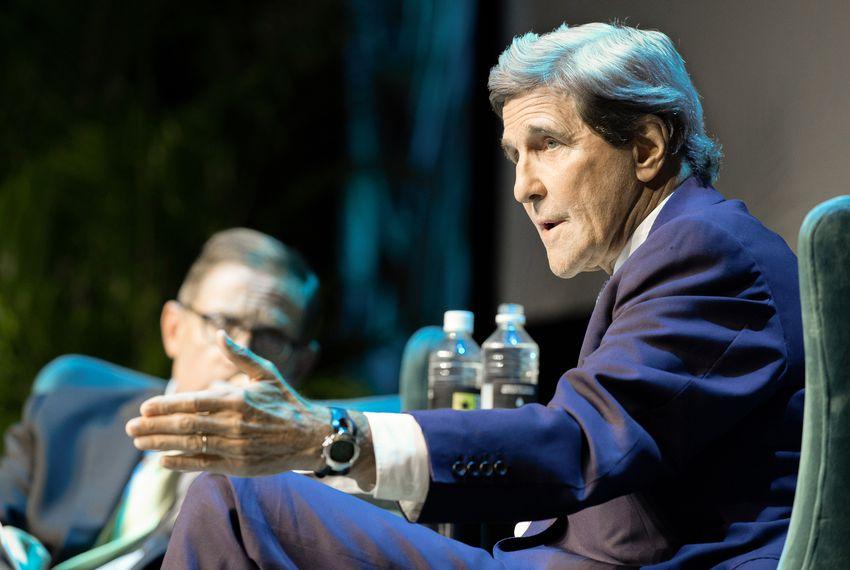 Tribune CEO Evan Smith interviews former U.S. Secretary of State John Kerry at The Texas Tribune Festival in Austin, Texas on Sept. 27, 2018.