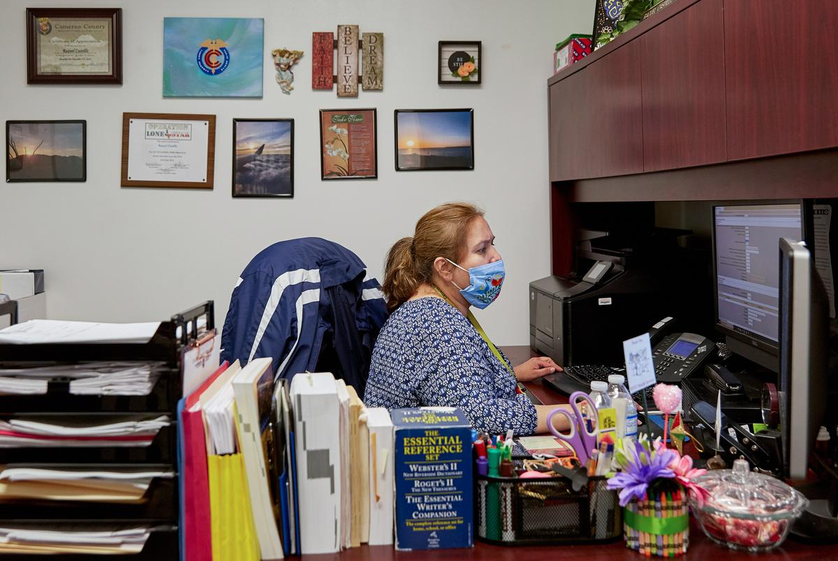 Raquel Castillo, the lead epidemiologist at Cameron County Public Health, uses the National Notifiable Diseases Surveillance System (NNDSS) system to enter patient data on Sep. 22, 2020 in San Benito.