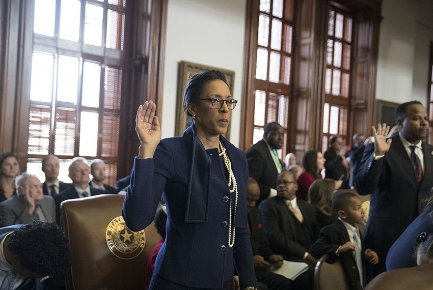 State Rep. Dawnna Dukes is sworn in on the first day of the 85th Legislature on Jan. 10, 2017.