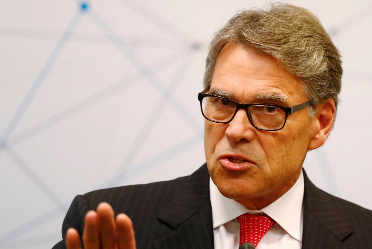 texastribune.org - Stacy Fernández - Former Texas Gov. Rick Perry reportedly tells Donald Trump he will resign as energy secretary