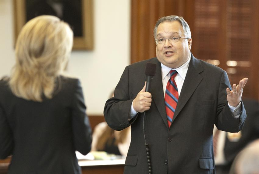 Sen. John Carona R-Dallas, answers a question by Sen. Wendy Davis D-Ft. Worth regarding HB 3, the TWIA bill on Senate floor …