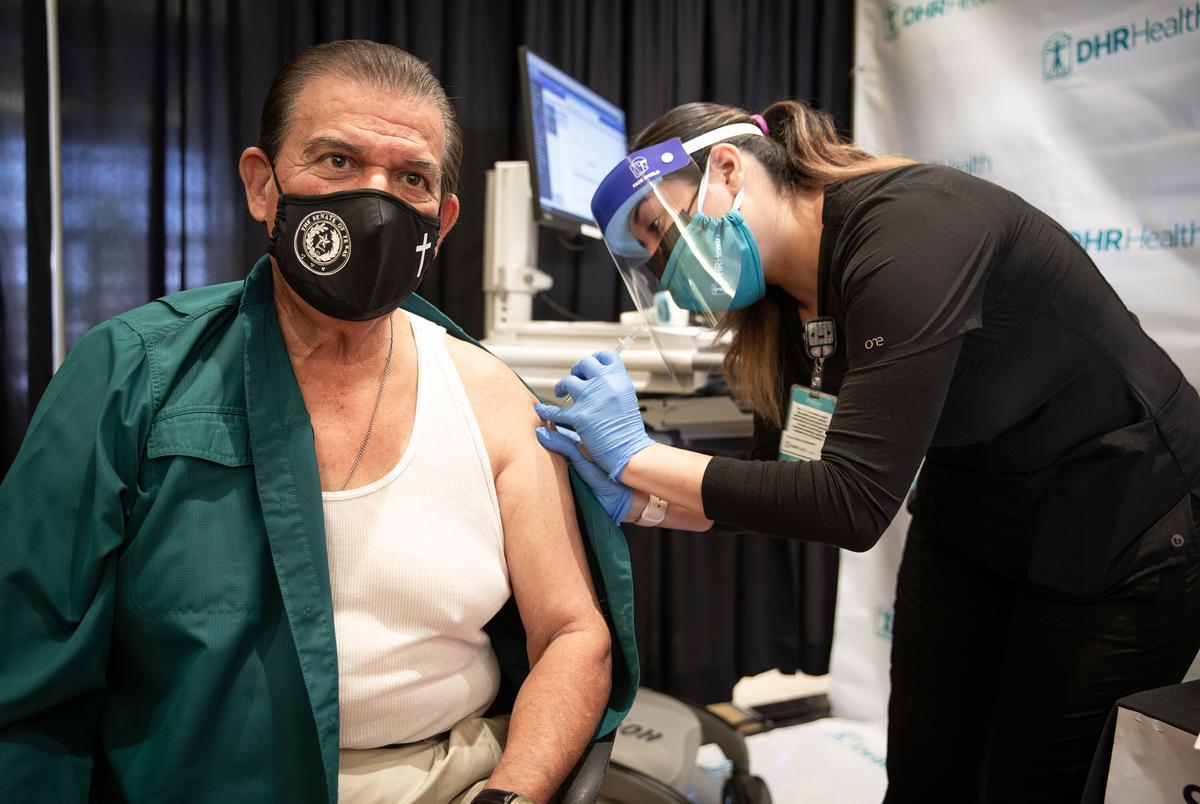 Senator Eddie Lucio Jr., D-Brownsville,  received his Pfizer vaccination at Doctors Hospital at Renaissance in Edinburg on Dec. 19, 2020
