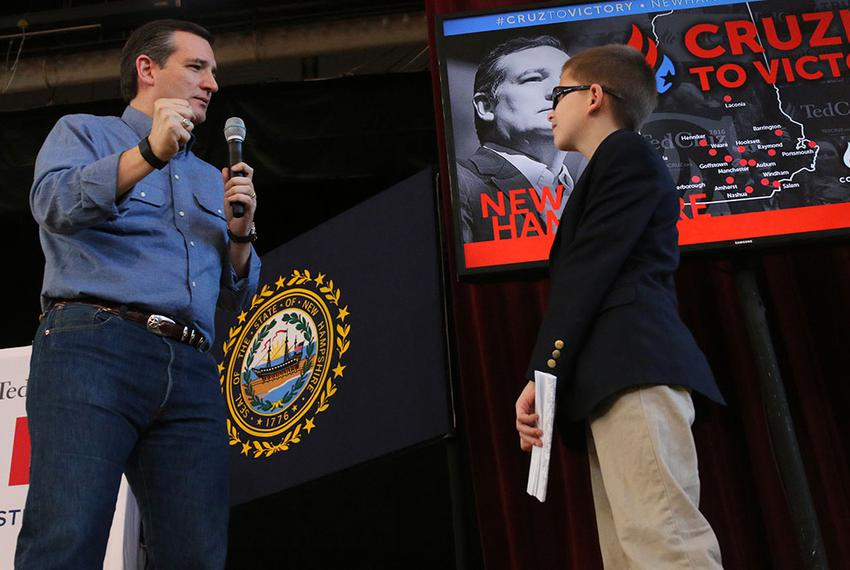Texas Sen. and Republican presidential candidate Ted Cruz held a town hall meeting at the Peterborough Town Hall on Sunday, …