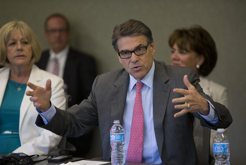 Gov. Rick Perry speaks on his Texas economic efforts while speaking to New Hampshire business leaders in Portsmouth on Aug. …