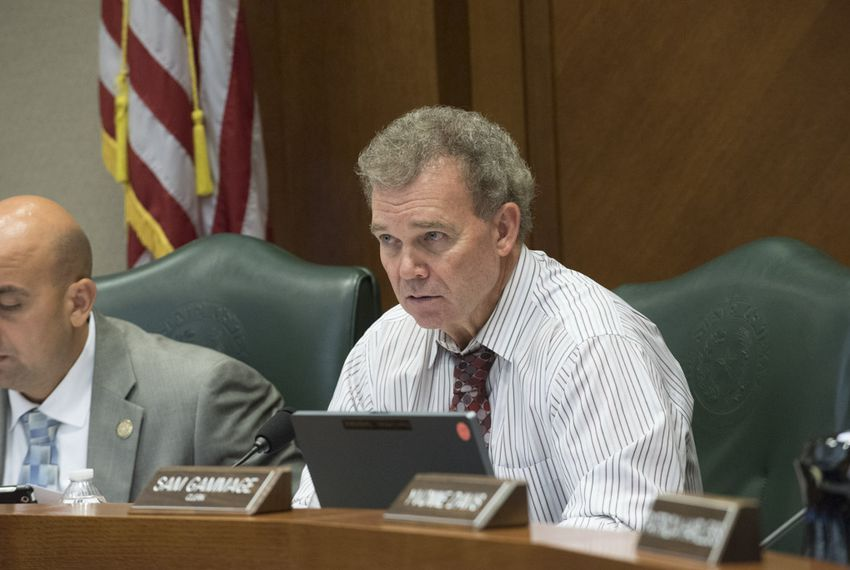 House Transportation Commitee chair Rep. Joe Pickett, D-EL Paso, leads an interim hearing August 30, 2016, at the Texas Capitol. The committee grilled TxDOT director James M. Bass and listened to a Texas Transportation Institute study on ride-hailing companies.