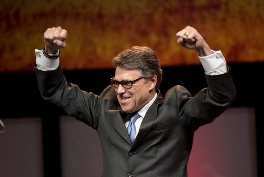 Texas Gov. Rick Perry woos the Republican crowd in Fort Worth on June 5, 2014.