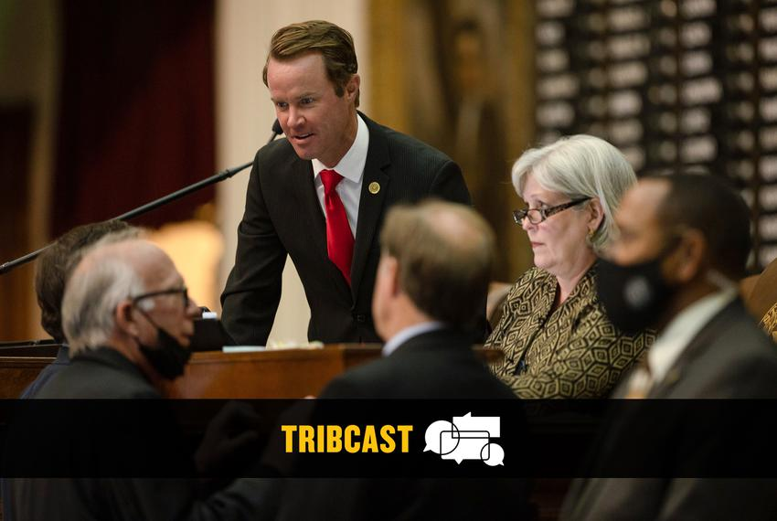 Hose Speaker Dade Phelan talks with several House members after gaveling in on a late night session at the Capitol on Oct. 1…